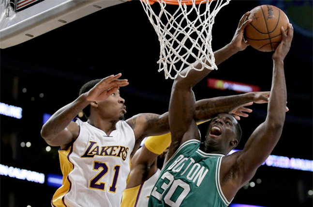 Brandon Bass w Lakers. Nick Young, Robert Sacre i Ryan Kelly na wylocie